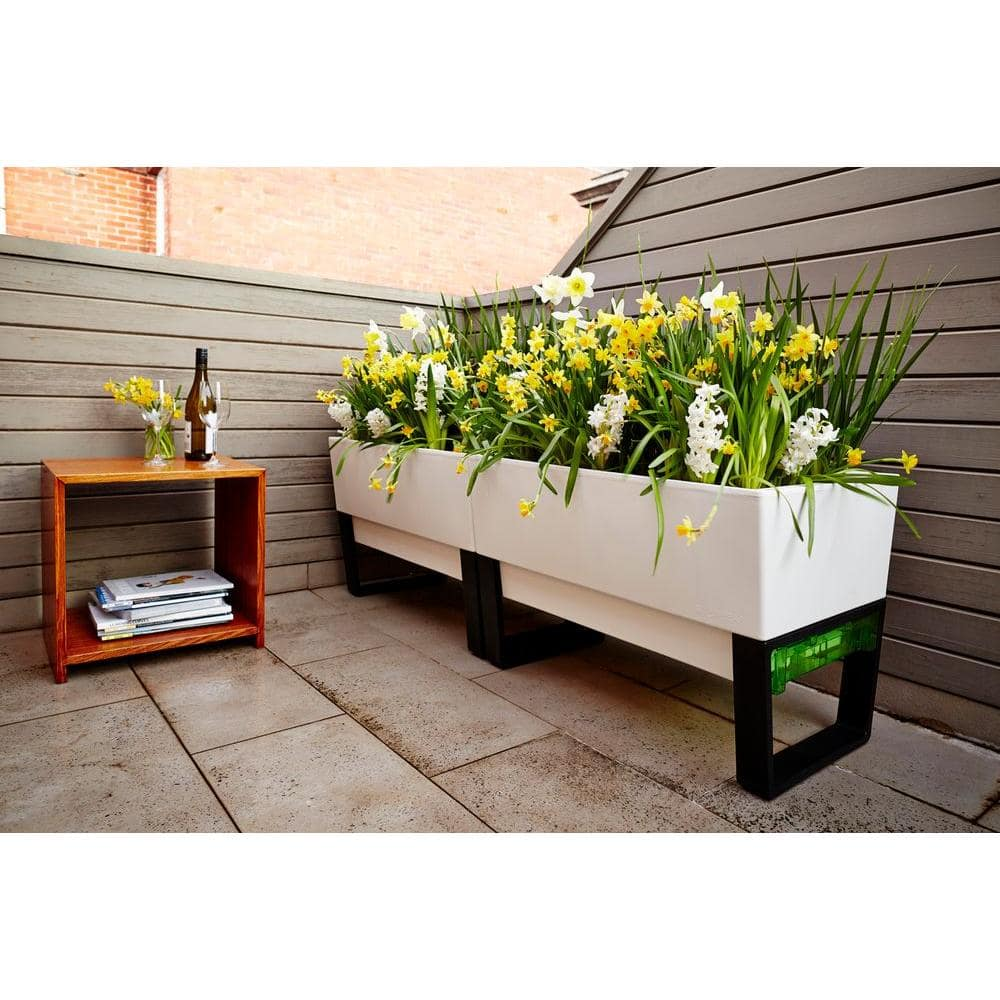 Best Planters for Your Container Garden - Self-Watering Planter Boxes